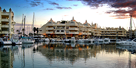 Benalmádena Port, Puerto Marina. Harbour, properties with own moorings