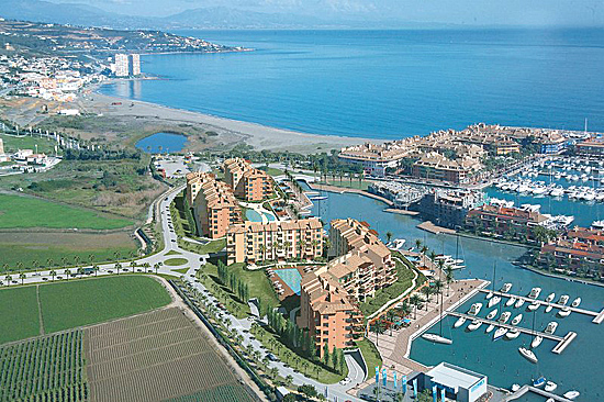 Sotogrande port, properties with moorings, yachts, Valderrama Golf, Santa Maria Polo Club